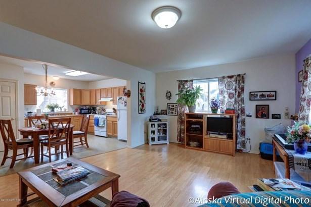 725 W 70th Avenue, Anchorage, AK - USA (photo 4)