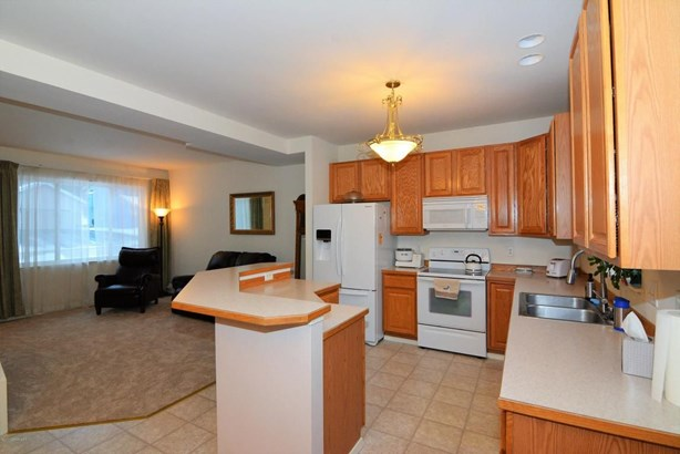 9036 Little Brook Street, Anchorage, AK - USA (photo 4)