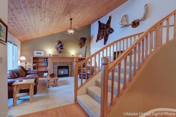 4650 Hunter Drive, Anchorage, AK - USA (photo 2)