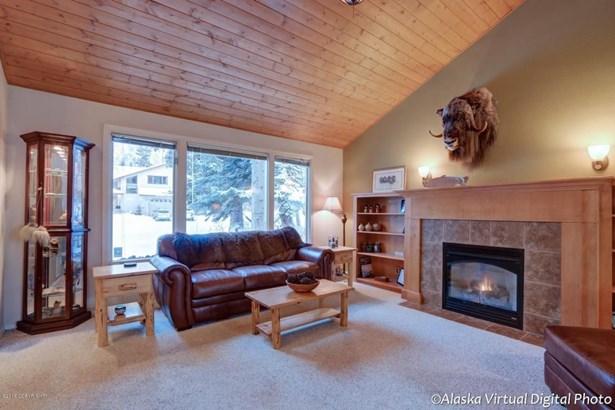 4650 Hunter Drive, Anchorage, AK - USA (photo 3)