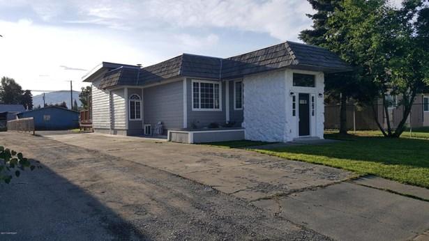 619 Bragaw Street, Anchorage, AK - USA (photo 1)
