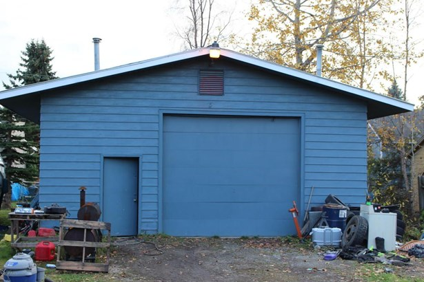 230 W 121st Avenue, Anchorage, AK - USA (photo 2)