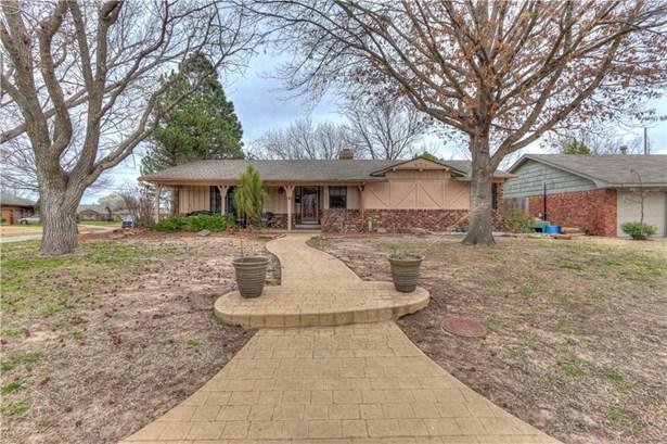 Traditional, Single Family - Oklahoma City, OK (photo 2)