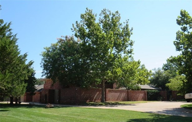 Contemporary, Single Family - Nichols Hills, OK (photo 1)