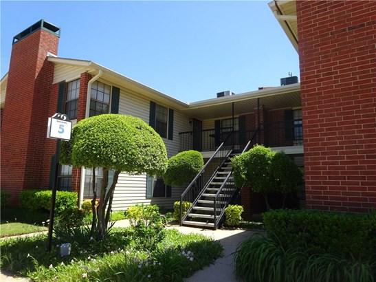 Condominium, Traditional - Oklahoma City, OK (photo 1)