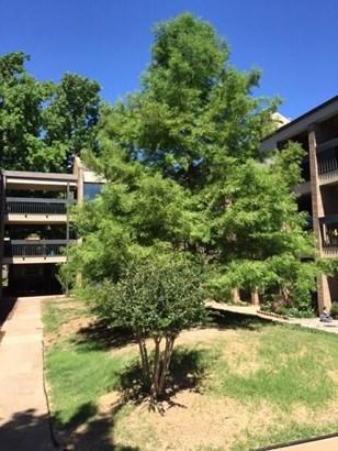 Condominium, Contemporary - Oklahoma City, OK (photo 4)