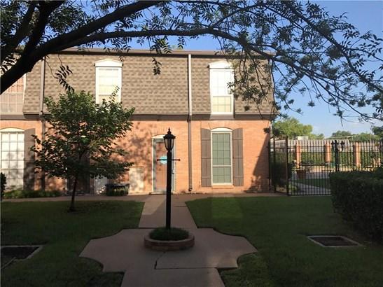Condominium, French,Traditional - Oklahoma City, OK (photo 1)