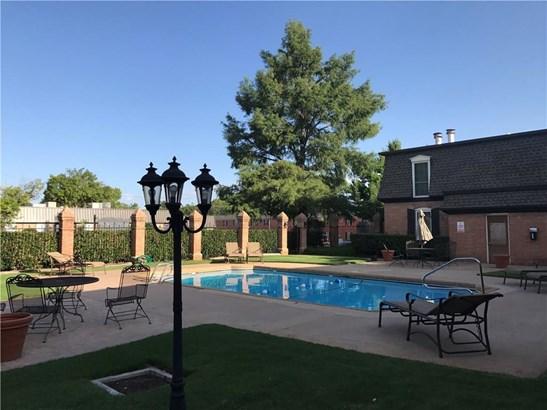 Condominium, French,Traditional - Oklahoma City, OK (photo 2)