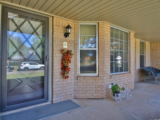 Traditional, Single Family - Oklahoma City, OK (photo 3)