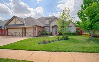 French, Single Family - Edmond, OK (photo 1)