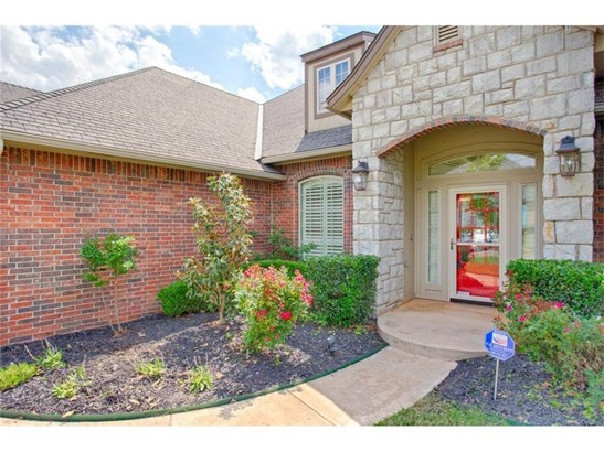 French, Single Family - Edmond, OK (photo 2)