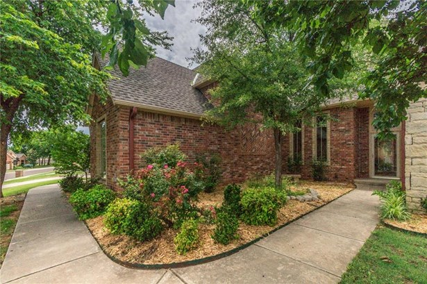 Dallas,Traditional, Single Family - Edmond, OK (photo 2)
