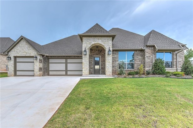Contemporary,Traditional, Single Family - Edmond, OK (photo 2)