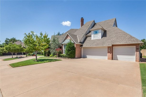 Contemporary,Traditional, Single Family - Edmond, OK (photo 4)