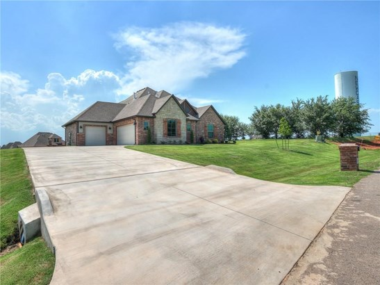 Traditional, Single Family - Newcastle, OK (photo 3)