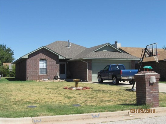 Traditional, Single Family - Oklahoma City, OK (photo 1)