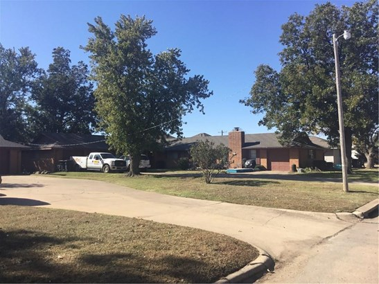 Traditional, Duplex - Oklahoma City, OK (photo 2)