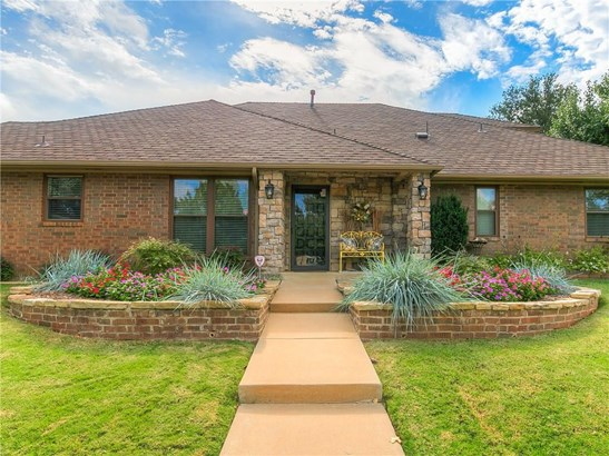 Traditional, Single Family - Oklahoma City, OK (photo 2)