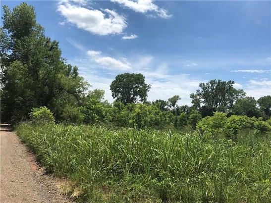 Acreage, Traditional - Shawnee, OK (photo 3)