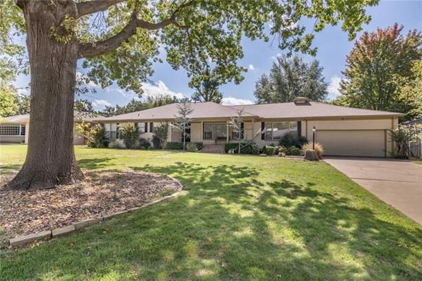 Traditional, Single Family - Nichols Hills, OK