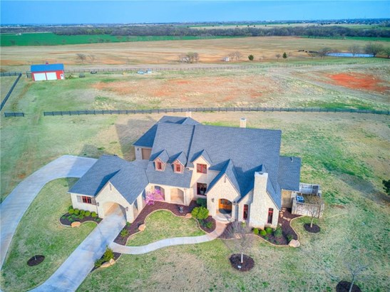 French,Traditional, Single Family - Piedmont, OK