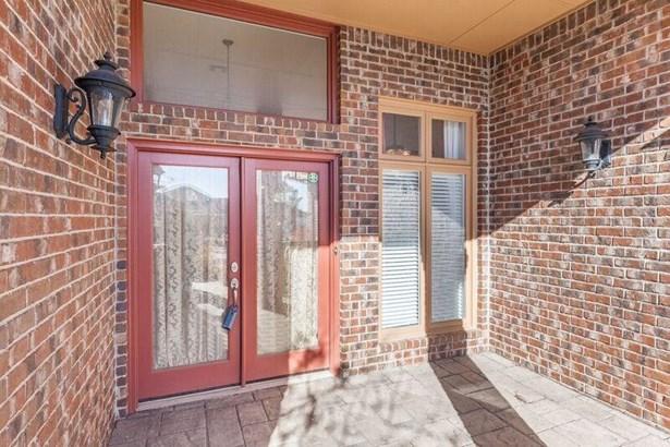 Patio Home, Traditional - Oklahoma City, OK (photo 5)