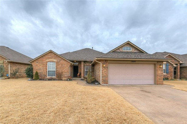 Traditional, Single Family - Yukon, OK (photo 1)