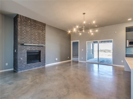 Contemporary, Single Family - Piedmont, OK (photo 5)