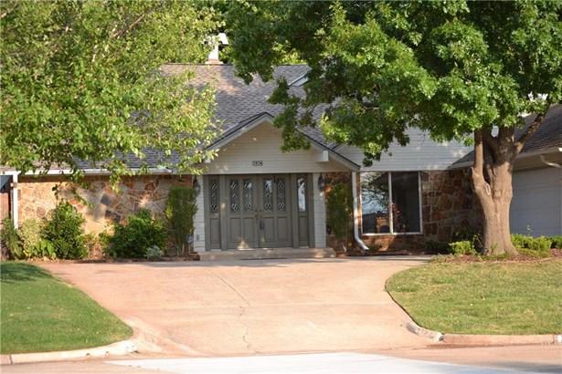 Contemporary,Traditional, Single Family - Oklahoma City, OK (photo 3)