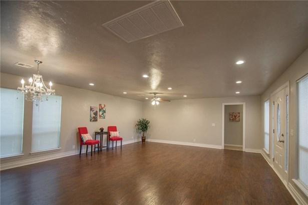 Dallas,Ranch, Single Family - Oklahoma City, OK (photo 4)