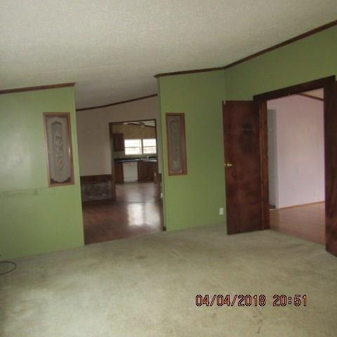 1444 Broadway Ave, Ellwood City, PA - USA (photo 2)