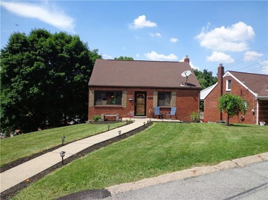317 Skyview Dr, West Mifflin, PA - USA (photo 2)