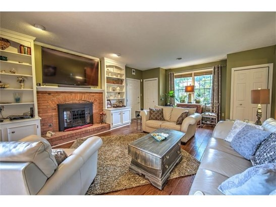 228 Meadowfield Lane, Clairton, PA - USA (photo 3)