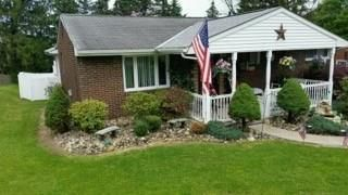 220 Sylvan Drive, New Kensington, PA - USA (photo 1)