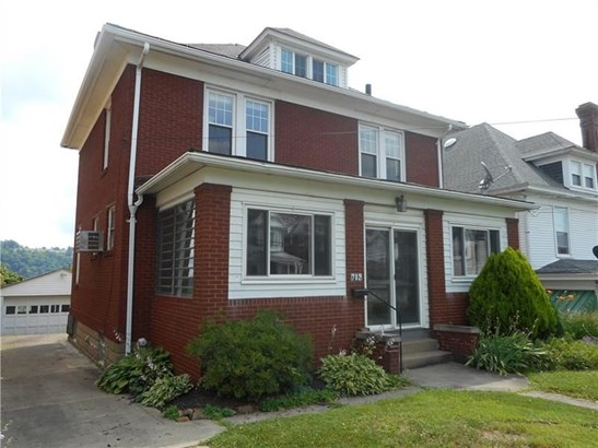 702 Crest Avenue, Charleroi, PA - USA (photo 2)