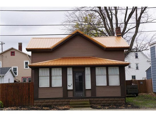 407 Madison St, Conneaut, OH - USA (photo 1)