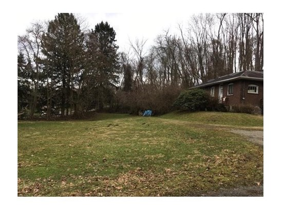 821 Stickles Ln, Irwin, PA - USA (photo 2)