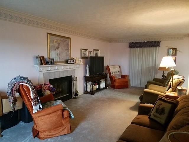 7327 Green Meadow Dr, Imperial, PA - USA (photo 4)