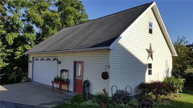 144 N Maiden, Waynesburg, PA - USA (photo 4)