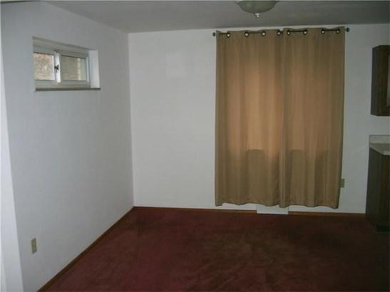 4455 Morefield Ave, Pittsburgh, PA - USA (photo 3)