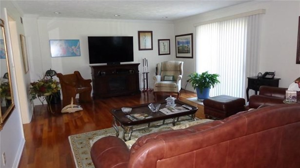 112 Clubhouse Drive, West Middlesex, PA - USA (photo 5)
