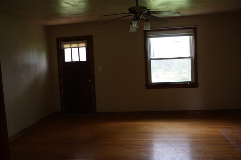430 N Main, Harrisville, PA - USA (photo 4)