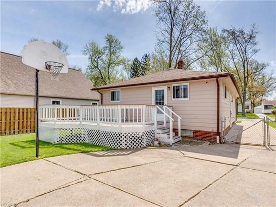 6870 Franke, Middleburg Heights, OH - USA (photo 3)