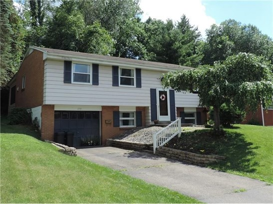 279 Woodridge Drive, Carnegie, PA - USA (photo 1)