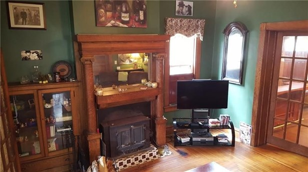 902 S Pittsburgh St, Connellsville, PA - USA (photo 5)