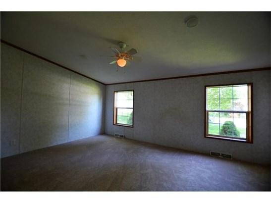 303 Hansen Ave, Ellwood City, PA - USA (photo 3)
