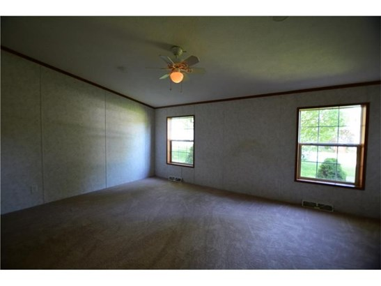 303 Hansen Ave, Ellwood City, PA - USA (photo 4)