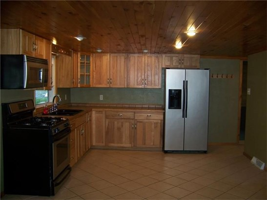 1379 Hooker Rd, Karns City, PA - USA (photo 3)