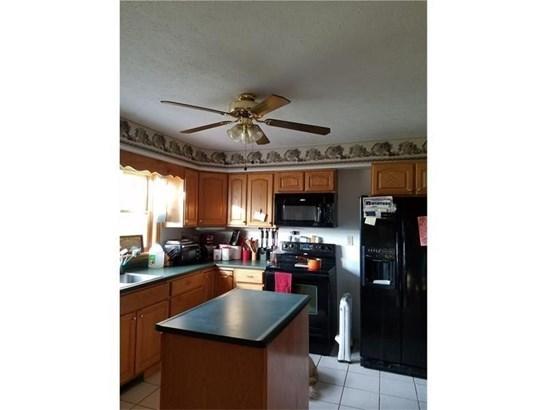 1059 Hartzell Rd, New Castle, PA - USA (photo 5)