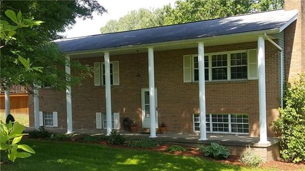 120 Colonial, Waynesburg, PA - USA (photo 1)